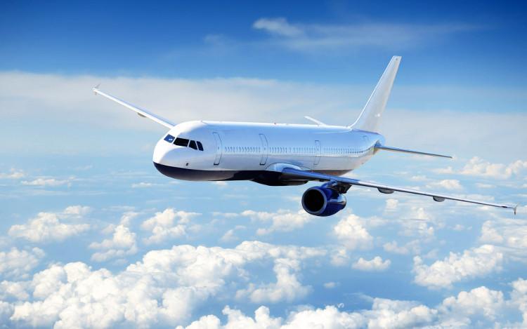 Màu trắng được xem là phù hợp và an toàn nhất để sơn lên máy bay.