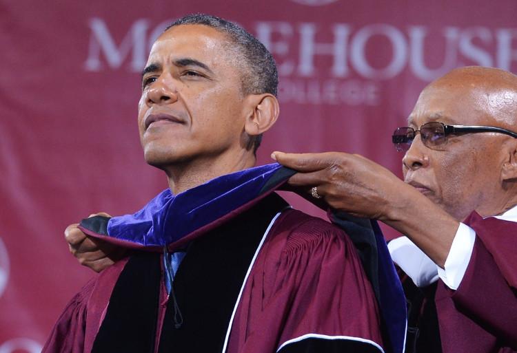 Tổng thống Obama nhận bằng danh dự tại Đại học Morehouse.