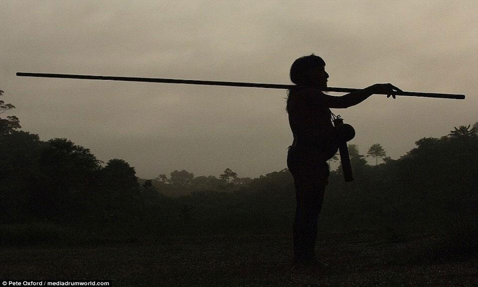 Bộ tộc Huaorani chỉ gồm khoảng 4.000 người