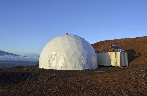 Nhà mái vòm mô phỏng môi trường sao Hỏa ở Hawaii, Mỹ.