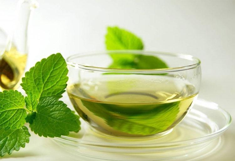 Uống một tách trà bạc hà sau khi ăn sẽ giúp hỗ trợ đường tiêu hóa.
