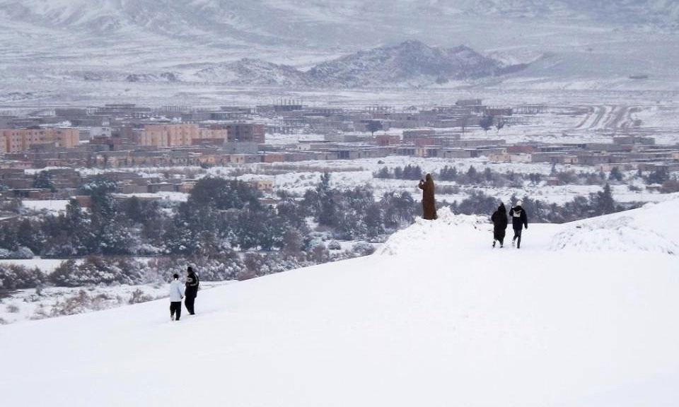 Trận tuyết rơi lớn nhất trong lịch sử bao phủ thị trấn Ain Sefra