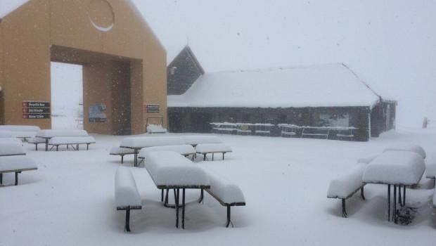 Cardrona Alpine Resort bị bao phủ lớp tuyết dày 30cm.