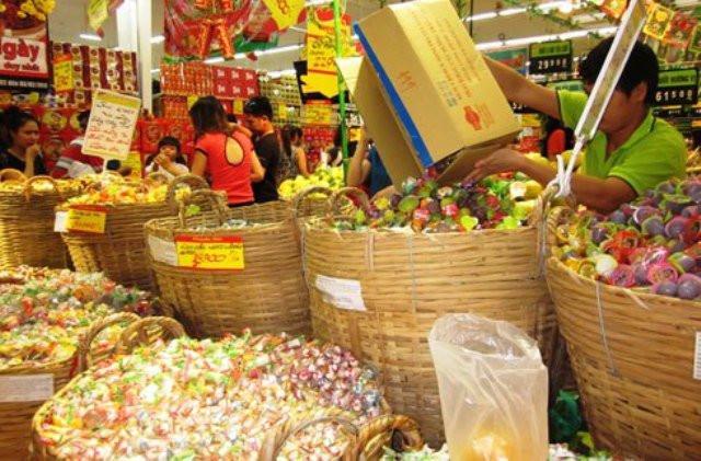 Cần hết sức thận trọng với các loại thực phẩm có màu sắc bắt mắt.