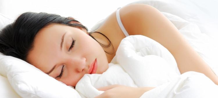 Khi bạn ngủ đủ giấc, cơ thể bạn sẽ tự tái tạo lại năng lượng và thúc đẩy khả năng kiểm soát đau và làm lành vết thương.