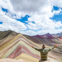 Nguồn gốc màu sắc rực rỡ như cầu vồng của núi thiêng ở Peru