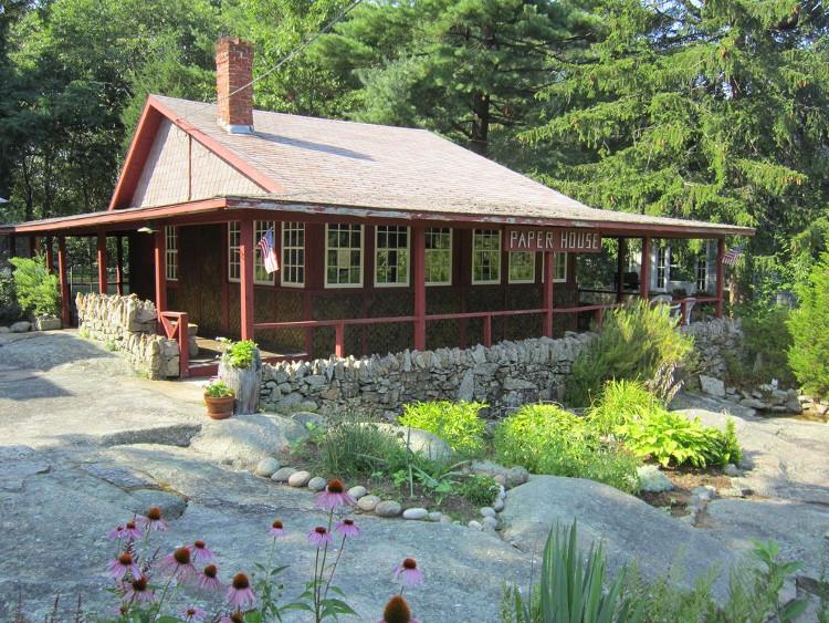 Ngôi nhà giấy ra đời năm 1922