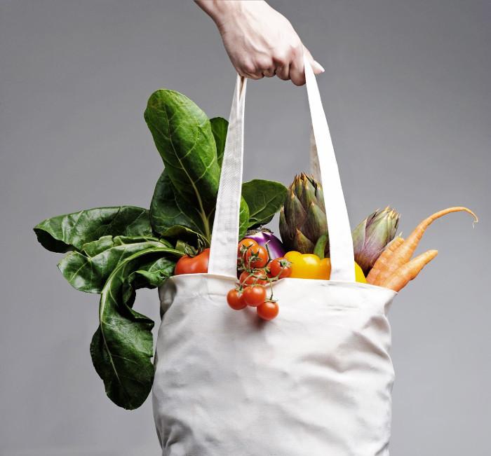 99% túi tái sử dụng có chứa trực khuẩn và E.coli.