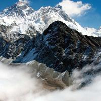 Có vẻ như chiều cao của đỉnh Everest đã đột ngột thay đổi