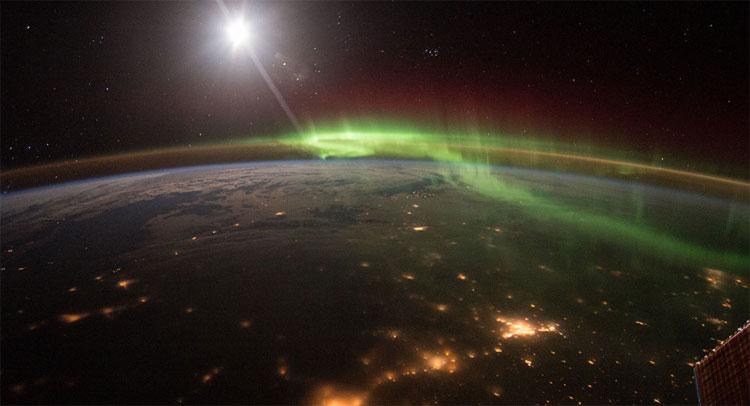 Tuyết sắt và lưu huỳnh có thể xuất hiện trên Trái đất nếu từ trường yếu đi.