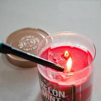 Cách giúp nến cháy chậm hơn và kéo dài gấp đôi thời gian sáng