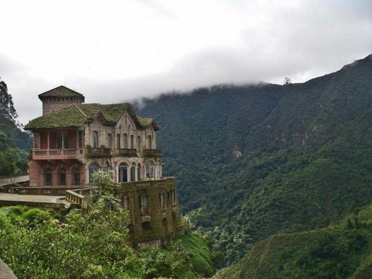 Khách sạn bỏ hoang Hotel del Salto