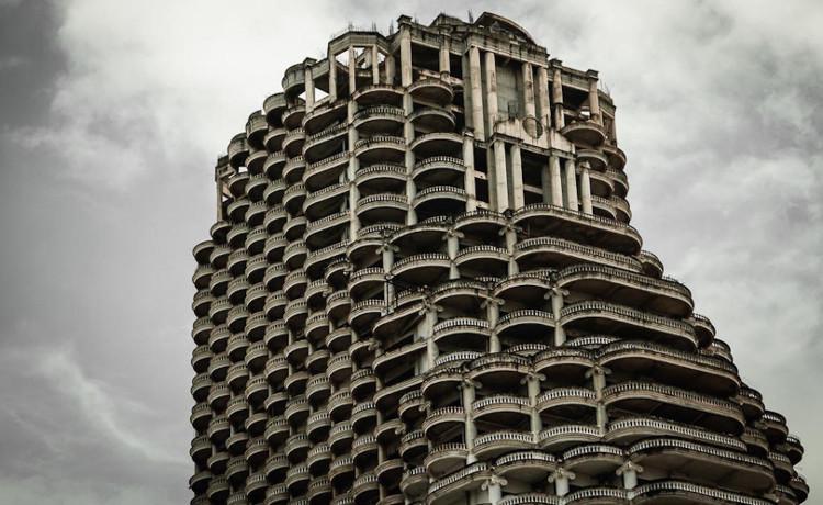 Tòa tháp ma Sathorn