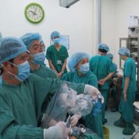 Ca ghép thận chéo đầu tiên ở Việt Nam đã thành công