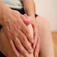 Nguyên nhân và cách điều trị đau khớp gối ở người già