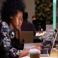 Làm việc ca đêm ảnh hưởng tới khả năng sinh sản của phụ nữ