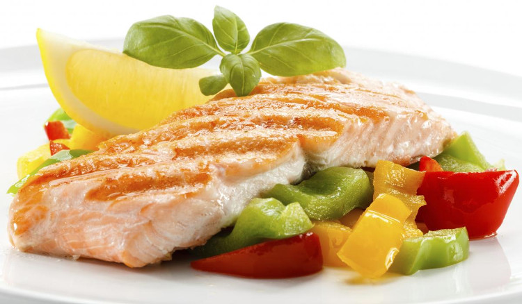 Người ăn nhiều hơn 3 khẩu phần cá mỗi tuần giảm 40% nguy cơ bị bệnh tim.