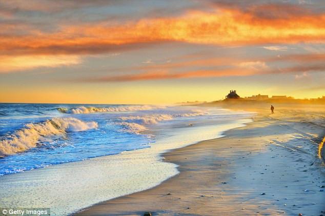 Các con sóng được cho là có liên quan tới sự tuyệt chủng của 96% sinh vật biển kỷ Permi.