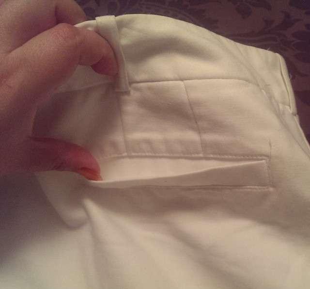 Độ sâu của túi chỉ bằng chiếc móng tay thì đựng bằng niềm tin à?