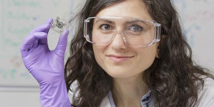 Tiến sĩ Mirella Di Lorenzo đến từ đại học Bath từng gây ấn tượng với phát kiến của mình.