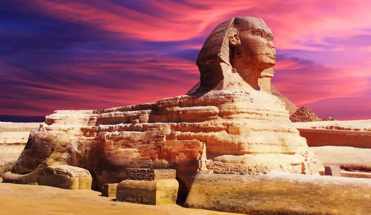 Tượng Nhân sư trên cao nguyên Giza, Ai Cập.