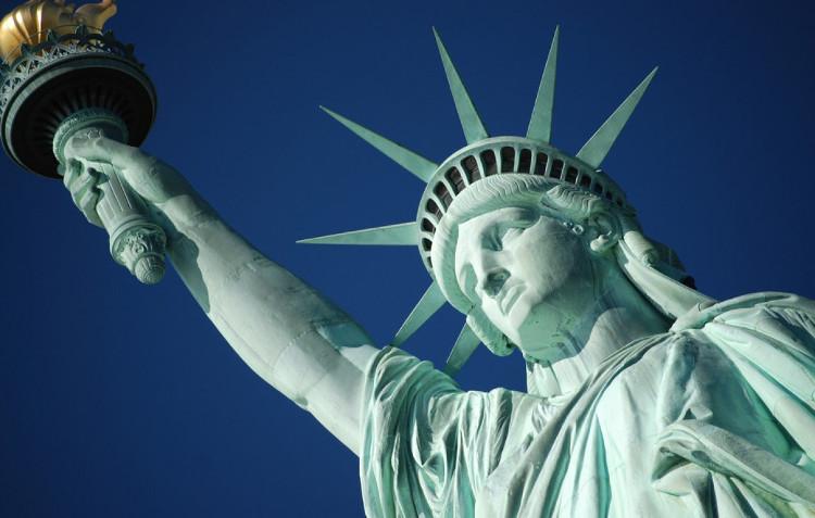 Tiếp cận đuốc của tượng Nữ thần Tự do, New York