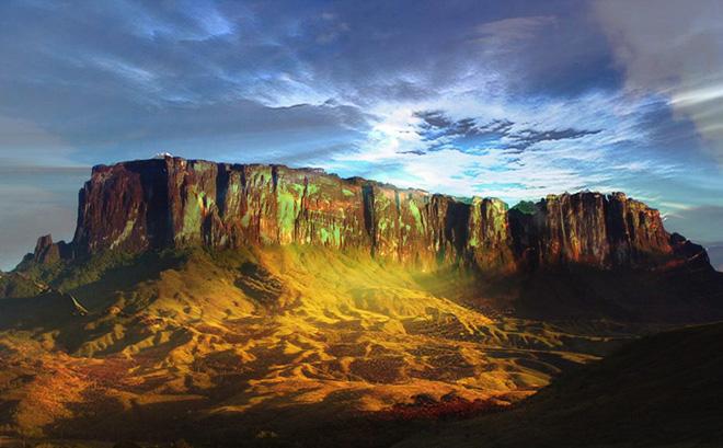Núi Roraima hay còn gọi là Tepuy Roraima và Cerro Roraima là điểm cao nhất của chuỗi cao nguyên tepui Pakaraima Nam Mỹ