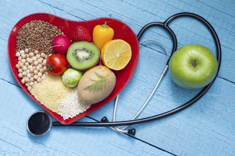Tích cực ăn thêm rau củ, bổ sung vitamin và chất xơ.