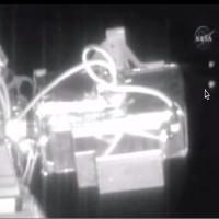 Video: NASA bị tố che giấu cảnh 6 UFO bay qua trạm ISS