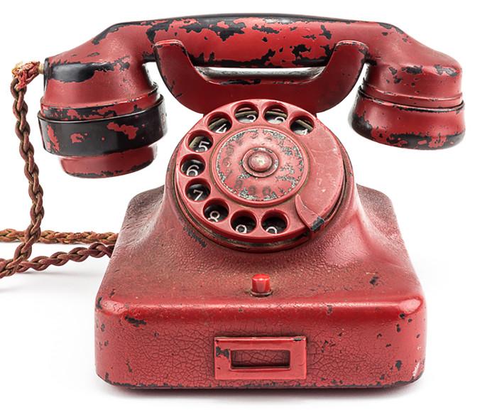 Điện thoại của Hitler được bán tới 5,5 tỷ.