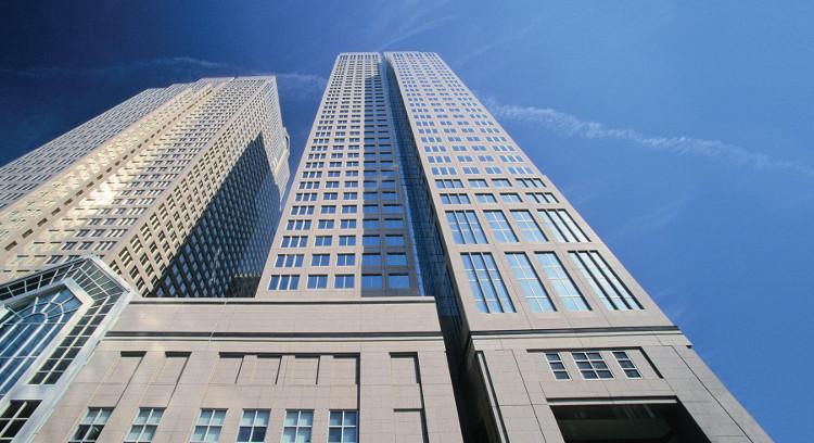 Các công trình bằng bê tông cốt thép và kính là biểu tượng của sự phát triển kinh tế thế kỉ 20.