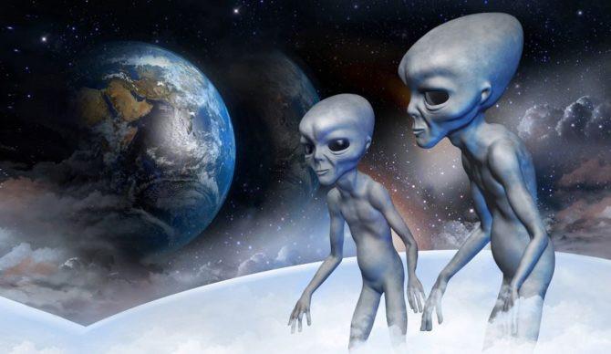 Từ thời tiền sử con người đã thấy hoặc tưởng tượng đến những dạng sống từ các hành tinh khác.