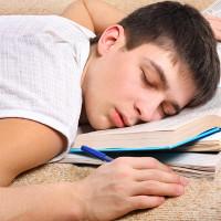 Hãy để người trẻ được ngủ đủ giấc nếu không muốn biến họ thành tội phạm sau này