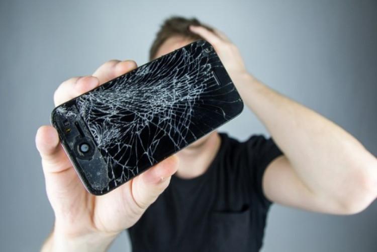 Vỡ màn hình luôn là nỗi lo rất lớn đối với người dùng smartphone hiện nay.