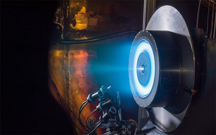 Nếu như dự án được hoàn thành trọn vẹn, thì tên lửa đẩy sử dụng điện sẽ giảm thiểu chi phí mà ta bỏ ra nếu muốn lên Sao Hỏa.