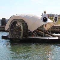 Video: Cỗ máy dọn sạch hơn 450 tấn rác ở cảng biển Mỹ