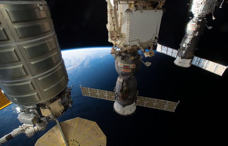 Một modue thuộc tổ hợp công trình ISS ngoài vũ trụ.