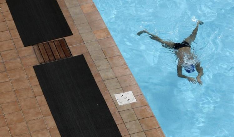 Hàm lượng nước tiểu quá nhiều trong hồ bơi khiến các nhà khoa học ngạc nhiên.