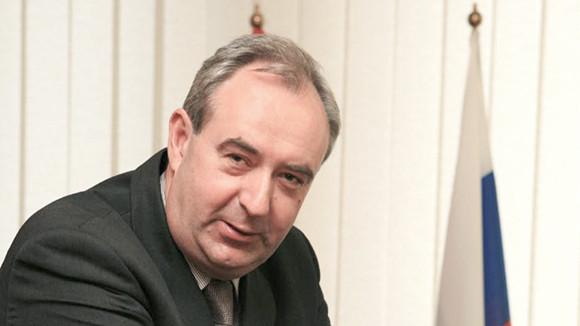 Giáo sư Andrey Simbirtsev.