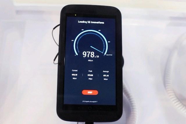 Nguyên mẫu chiếc smartphone 5G đầu tiên trên thế giới