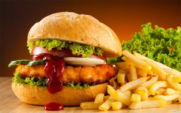 Thức ăn nhanh có thể gây tổn hại cho các thiếu nữ, đặc biệt ở giai đoạn cơ thể dậy thì và bộ ngực đang phát triển.