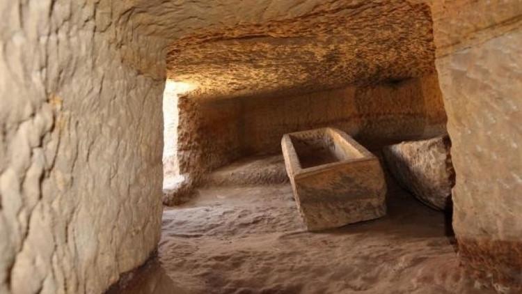 Phần lớn các hài cốt trong khu mộ nhiều khả năng thuộc về công nhân mỏ.