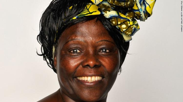 Bà Wangari Maathai.