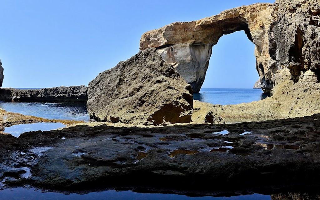 Vòm đá vôi này dài 28m, được hình thành do sự ăn mòn của tự nhiên.