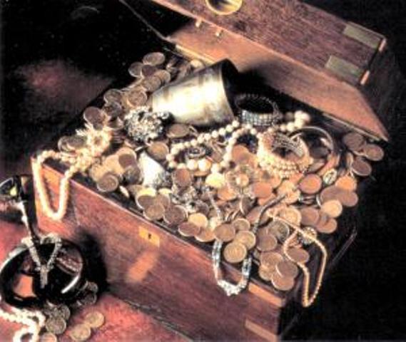 Trên đảo Mac-a-Tierra, người ta đã tìm thấy những loại tiền cổ bằng vàng và những bức tượng thờ rất quý hiếm của người Inca