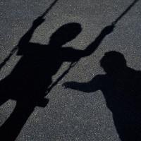 Dấu hiệu chứng tỏ trẻ đã bị xâm hại cha mẹ cần biết