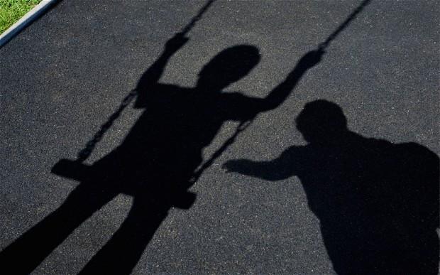 20% trẻ em bị lạm dụng tình dục thường bởi người mà chúng quen biết, trước khi trưởng thành.