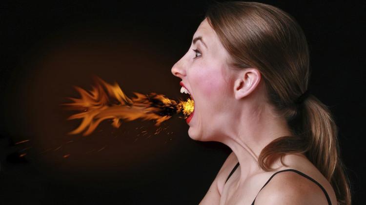 Ợ nóng rất có thể là triệu chứng báo trước ung thư phổi hoặc ung thư dạ dày.