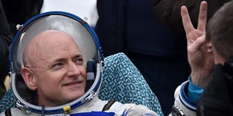 Phi hành gia Scott Kelly đã trải qua một năm trên không gian.