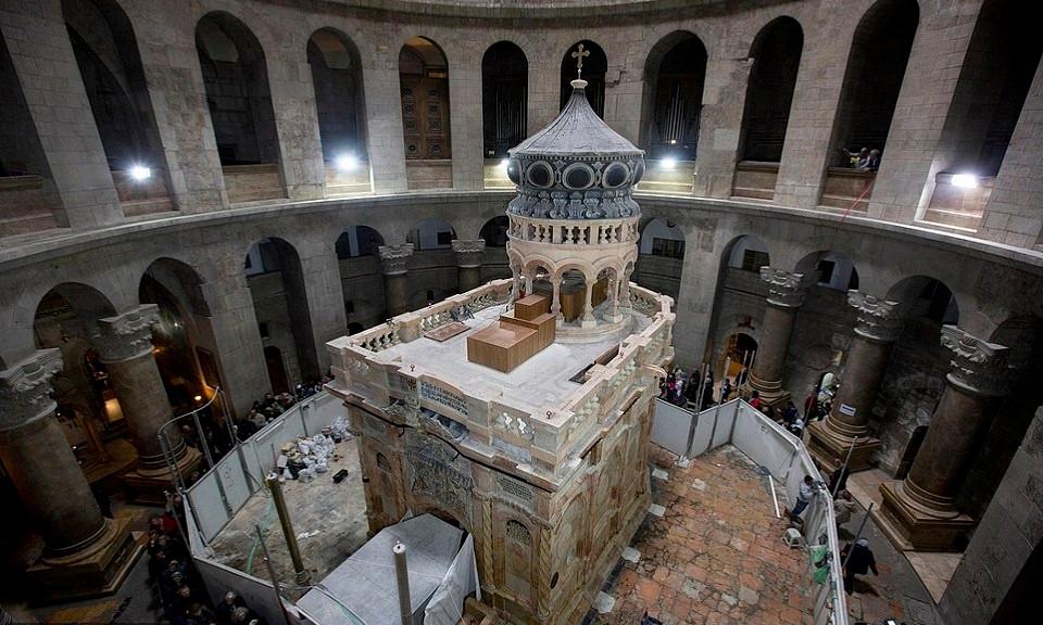 Các chuyên gia tôn tạo đến từ Đại học Kỹ thuật Quốc gia Athens, Hy Lạp hoàn tất công tác tôn tạo phòng thờ Edicule